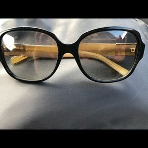 Tory Burch sunglasses. Lens are scratched
